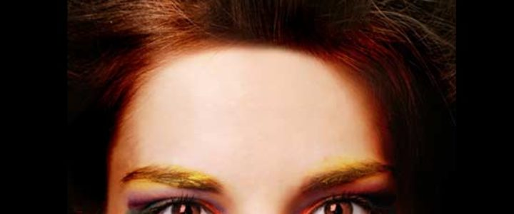 Accentuate brown eyes with makeup