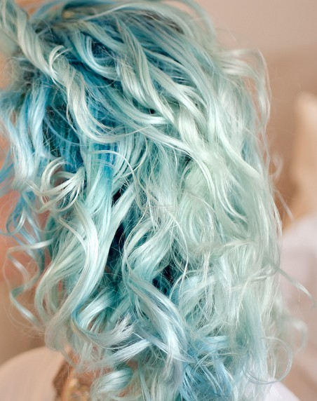 curly-pastel-blue-hair
